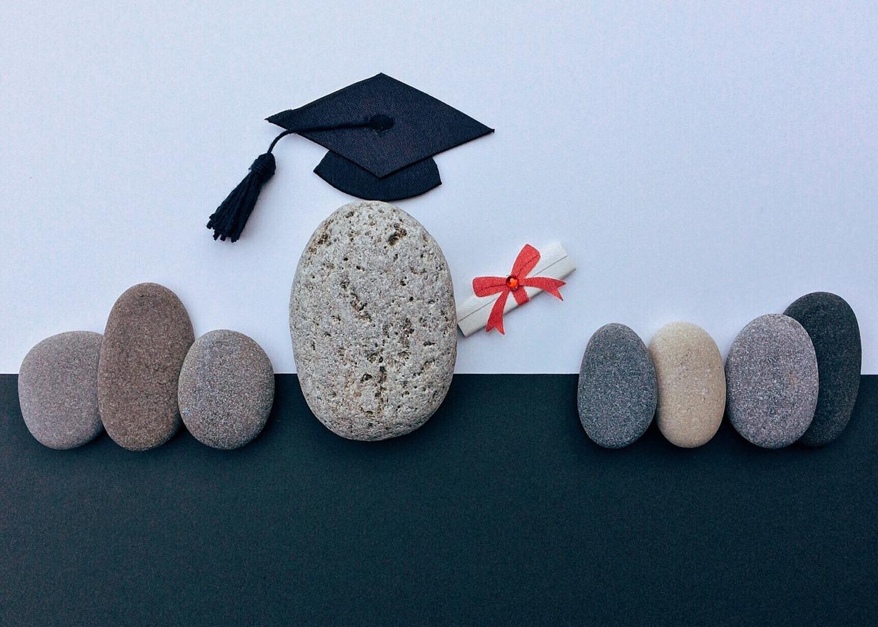diplomarsi online vs diplomarsi in aula